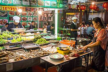 Restaurant, street food night market, at Itsara nuphap, Chinatown, Bangkok, Thailand