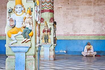 Man praying, Rangaji Temple ( Ranganath Temple ), Vrindavan, Mathura, Uttar Pradesh, India