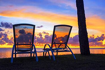 Sunset in Le Meridien Hotel on the island of Tahiti, French Polynesia, Tahiti Nui, Society Islands, French Polynesia, South Pacific.