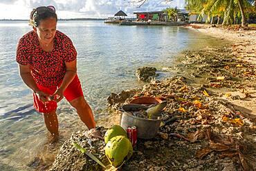 Local fisher woman in Fakarava island, Tuamotus Archipelago French Polynesia, Tuamotu Islands, South Pacific.
