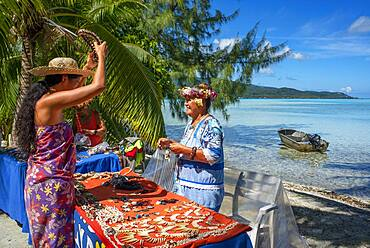 Island of Taha'a, French Polynesia. Local vendor at the Motu Mahana, Taha'a, Society Islands, French Polynesia, South Pacific.