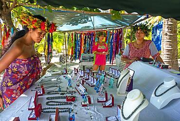Island of Taha'a, French Polynesia. Local vendor of pearls at the Motu Mahana, Taha'a, Society Islands, French Polynesia, South Pacific.