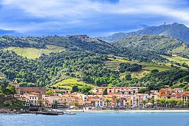 Landscape seaside beach of the picturesque village of Collioure, near Perpignan at south of France Languedoc-Roussillon Cote Vermeille Midi Pyrenees Occitanie Europe