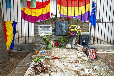 THE GRAVE OF ANTONIO MACHADO AND HIS COMPANION ANA RUIZ, FIGURE OF THE LITERARY MOVEMENT GENERATION OF 98, THE ANDALUSIAN POET DEVOTED HIS LIFE AND WORK TO THE REPUBLICAN CAUSE, PYRENEES-ORIENTALES, Collioure in the south of France Languedoc-Roussillon Cote Vermeille Midi Pyrenees Occitanie Europe