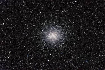 Omega Centauri globular cluster, with Canon 20Da camera with 4-inch Astro-Physics Traveler apo refractor at f/6 for 4 minutes each at ISO800. Stack of 4 exposures, averaged stacked. Plus short 2-minute exposure for core area. Taken from Queensland, Australia, July 2006.