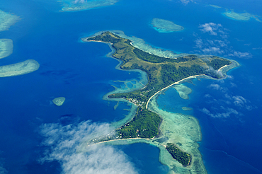 Nananu-I-Ra Island, seen from Pacific Sun Airlines flight from Taveuni Island to Nandi, Fiji.