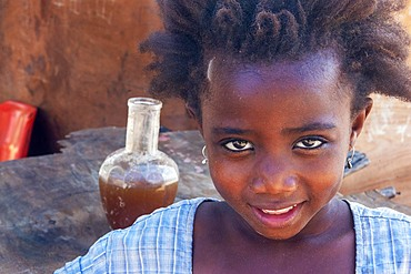 Girl from the slum of Wiyoni department in the northern of the Lamu island in Kenya