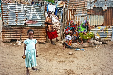 Family from the slum of Wiyoni department in the northern of the Lamu island in Kenya