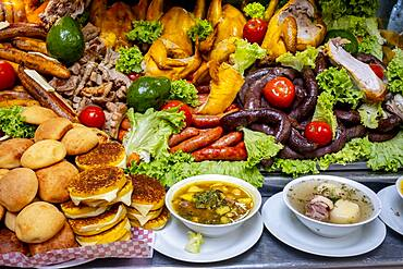 chicken, sausage, black pudding, pork rinds, avocado, pollo, chorizo, morcilla, chicharron, aguacate, sancocho, soup, typical Colombian gastronomy
