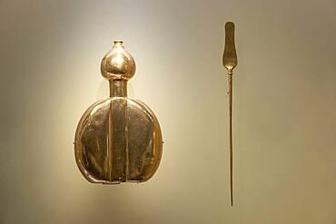 Poporo and stick, Pre-Columbian goldwork collection, Gold museum, Museo del Oro, Bogota, Colombia, America