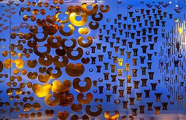 Offering room, sala de la ofrenda, Gold artifacts on display, Gold museum, Museo del Oro, Bogota, Colombia, America