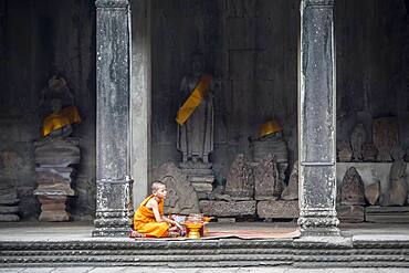 Monk, in Angkor Wat, Siem Reap, Cambodia
