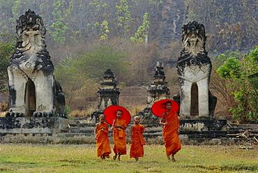 Novice Buddhist monks, Doi Kong Mu Temple, Mae Hong Son, northern Thailand, Asia