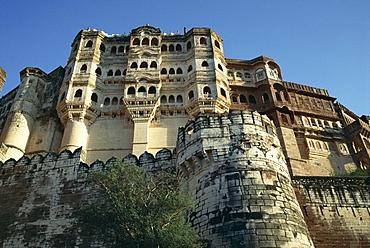 Fortress ramparts, Meherangarh, Jodhpur City, Rajasthan state, India, Asia