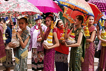 Young women in costumes, Lao New Year, Luang Prabang, Laos, Indochina, Southeast Asia, Asia