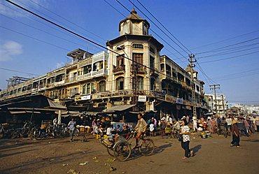 Bustling streets, Cholon market, Ho Chi Minh City (Saigon), Vietnam