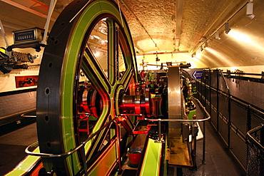 Engines for lifting gear, Tower Bridge, London, England, United Kingdom, Europe