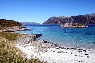 Beach at Gasvaer, Kvalfjord, Troms, North Norway, Norway, Scandinavia, Europe