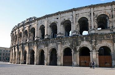 Roman amphitheatre, Nimes, Gard, Languedoc-Roussillon, France, Europe