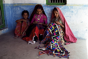 Tribal crafts of embroidery and applique, Kutch district, Gujarat state, India, Asia