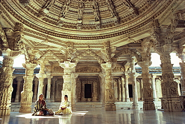 Interior of Vimal Vasahi Temple built in the 11th century dedicated to the first Jain sain, Mount Abu, Rajasthan state, India, Asia