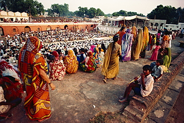 People and one of the stage sets, Ramlilla, the stage play of the Hindu epic the Ramayana, Varanasi, Uttar Pradesh state, India, Asia