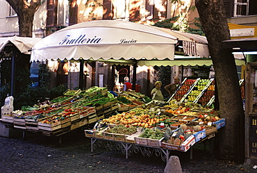 Fruit and vegetable shop in the Piazza Mercato, Frascati, Lazio, Italy, Europe