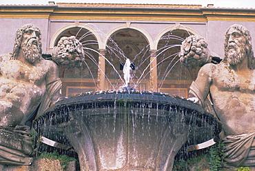 Fountain in the gardens of the Palazzo Farnese, Caprarola, Lazio, Italy, Europe