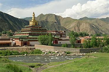 Stupas (chortens), Labrang Tibetan Monastery, Gansu, China, Asia