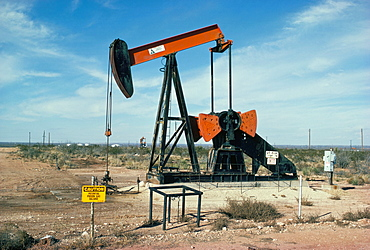Oil well pump, near Odessa, Texas, United States of America, North America