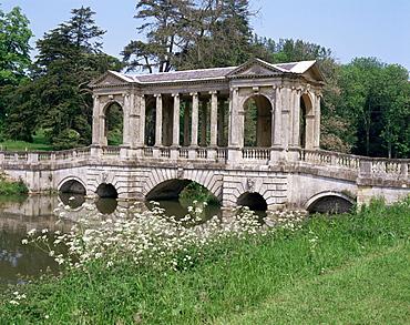 The Palladian bridge, Stowe, Buckinghamshire, England, United Kingdom, Europe
