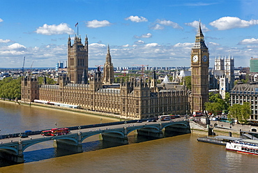 Buses crossing Westminster Bridge by Houses of Parliament, London, England, United Kingdom, Europe