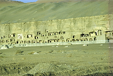 Caves at Dunhuang, UNESCO World Heritage Site, Gansu province, China, Asia