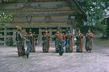 Toba Batak dancers, Samosir Island, Lake Toba, North Sumatra, Sumatra, Indonesia,Southeast Asia, Asia