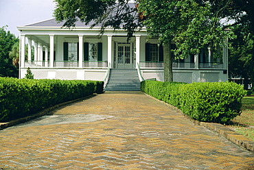 Beauvoir, a 19th century ante-bellum mansion, last home of Confederate President Jefferson Davis, Biloxi, Mississippi, USA, North America