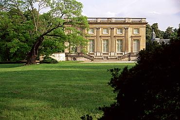 Petit Manoir from gardens, Chateau de Versailles, UNESCO World Heritage Site, Ile de France, France, Europe