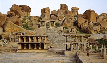 Marketplace in Hampi, UNESCO World Heritage Site, Karnataka, India, Asia