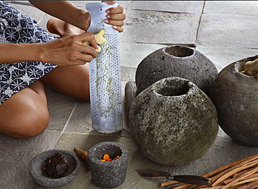 Preparing Jamu, a herbal elixir, Bali, Indonesia, Southeast Asia, Asia