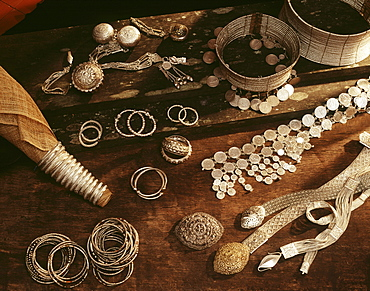 Silver coiled Rawai corsets and bracelets of native Maloh craftmanship as well as knitted silver belts, coin belts, and powder boxes for Iban in Sarawak, Borneo, Malaysia, Southeast Asia, Asia