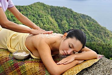 Coconut scrub, Ylang Ylang Spa at Tal Vista Hotel, Tagaytay, Philippines, Southeast Asia, Asia