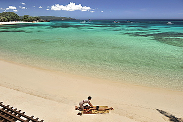 Massage on the beach, Shangri La Boracay Resort and Spa in Boracay, Philippines, Southeast Asia, Asia