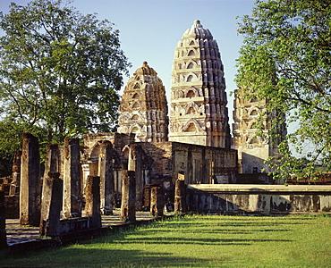 Wat Si Sawai, a temple of Khmer origin, Sukhothai, UNESCO World Heritage Site, Thailand, Southeast Asia, Asia