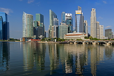 Waterfront facing Marina Bay, with the Fullerton Hotel, previously the Central Post Office, Singapore, Southeast Asia, Asia