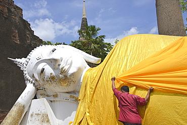 Reclining Buddha, Wat Yai Chai Mongkon, Ayutthaya, UNESCO World Heritage Site, Thailand, Southeast Asia, Asia