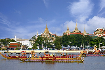 Royal barges on the Chaopraya River, Bangkok, Thailand, Southeast Asia, Asia