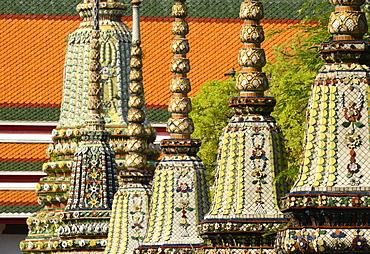 Chedis from the early Rattanakosin period at Wat Pho (Wat Phra Chetuphon), Bangkok, Thailand, Southeast Asia, Asia