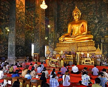 Iinterior of main viharn of Wat Suthat, Bangkok, Thailand, Southeast Asia, Asia