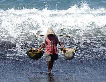 Marine salt production, Kusamba, Bali, Indonesia, Southeast Asia, Asia
