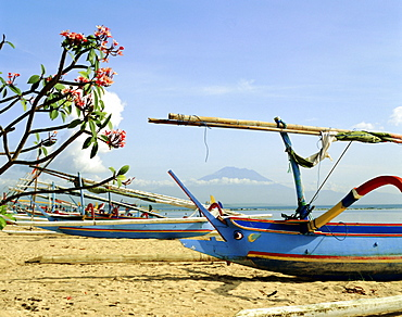 Outrigger boats on Sanur Beach, Bali, Indonesia, Asia