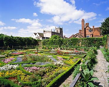 Nash House Gardens, Stratford-upon-Avon, Warwickshire, England, UK, Europe